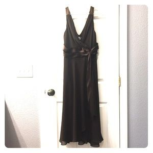 Evening dress with sash